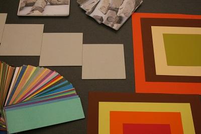 Mit verschiedenen Materialien finden sich neue Zugänge zur Kunst. © Museumspädagogisches Zentrum, München