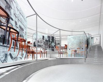 Die Neue Sammlung – The Design Museum, Bugholz – Schichtholz, Foto: Rainer Viertlboeck