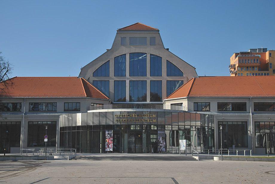 Außenansicht Deutsches Museum Verkehrszentrum