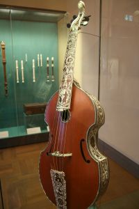 Musikinstrumente im Bayerischen Nationalmuseum