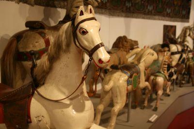 Karussellpferde im Münchner Stadtmuseum
