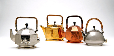 Peter Behrens, Elektrische Tee- und Wasserkessel, 1908-09, AEG, Berlin, Besitz: Die Neue Sammlung — The Design Museum, Foto: Die Neue Sammlung (A. Laurenzo)