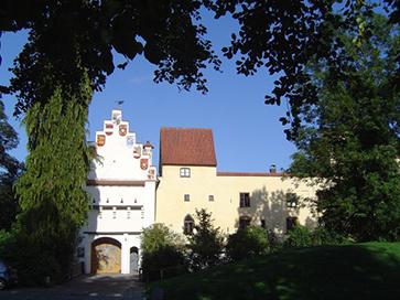 Burg_Gruenwald_Aussenansicht