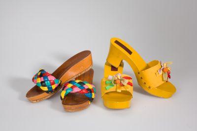 Holzpantoletten mit farbigen Garnituren 1960er Jahre, © Münchner Stadtmuseum